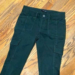 Women's size 0 dark green skinny leg stretch cargo jeans